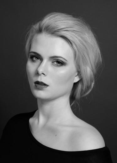 Gabriela Tesarikova (2)