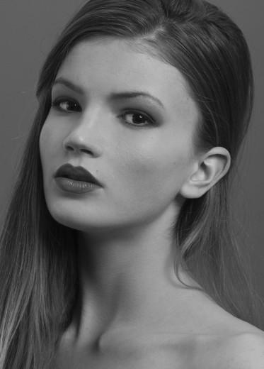 JULIANA JANIKOVA (5)