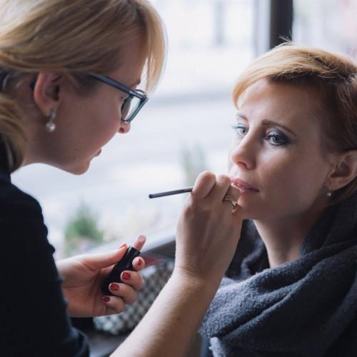 Dita Genin, absolventka Make-up Institute Prague, nyní pracuje pro značku Lancome a zároveň líčí celebrity a modní přehlídky.